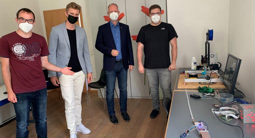 Timm Kern und Michael König zu Besuch beim swablab e.V.